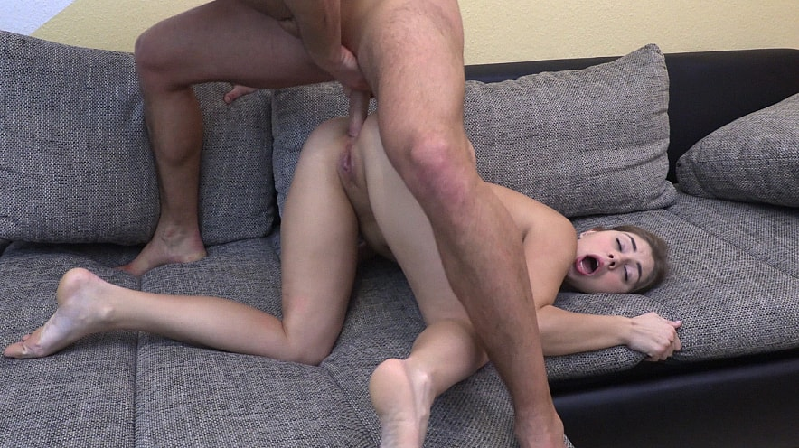 Julia Red: House Call for Anal