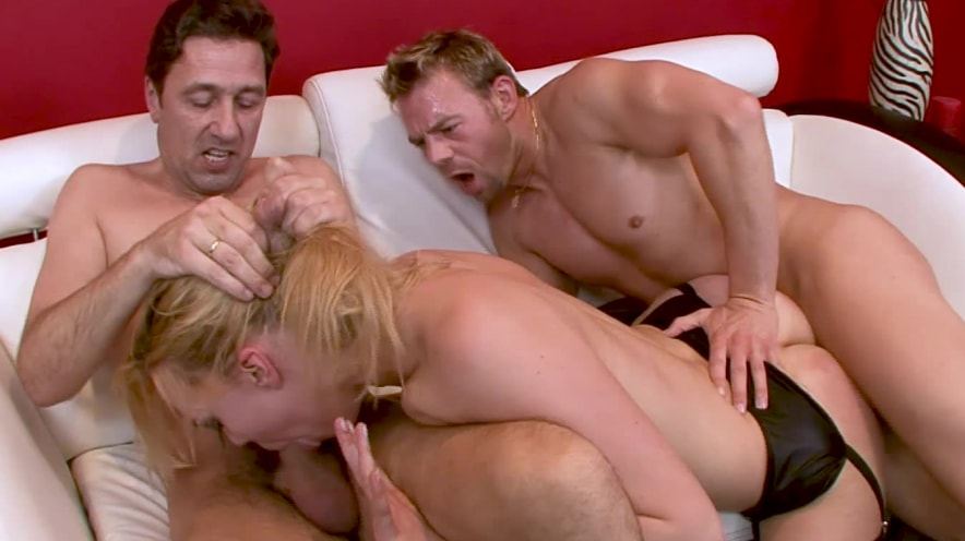 Annette Swartz: Double Dose Of Anal